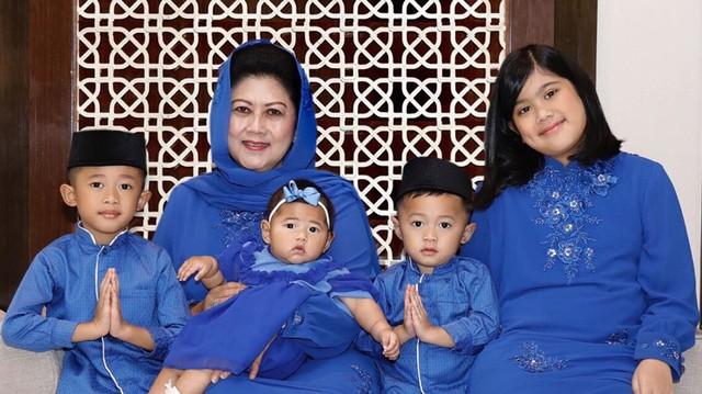 9 Momen Kedekatan Ani Yudhoyono dan Cucu-cucunya (17282)
