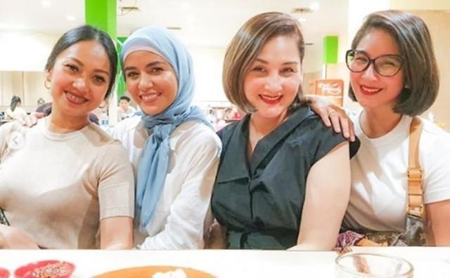 Makin Anggun, Ini 7 Potret Meisya Siregar dengan Balutan Hijab (108003)