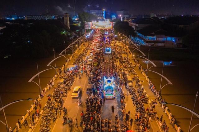 Semarak Malam Takbiran Menyambut Idul Fitri di Aceh (4).jpeg
