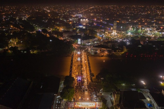 Semarak Malam Takbiran Menyambut Idul Fitri di Aceh (6).jpeg