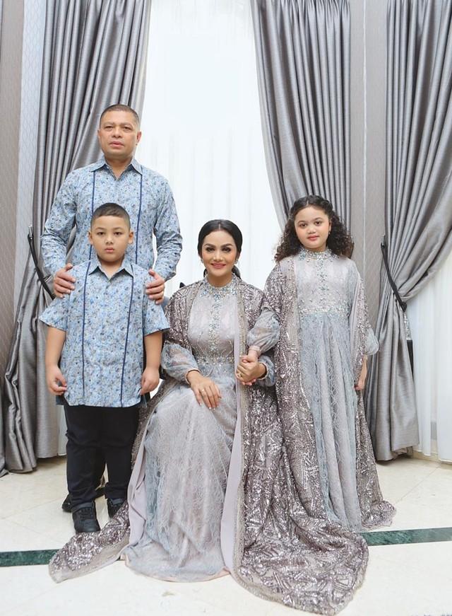 Lebaran keluarga Krisdayanti