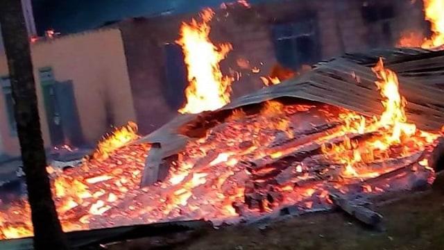 Buton Rusuh dan Situasi Masih Mencekam, 56 Rumah Dibakar Massa (16278)