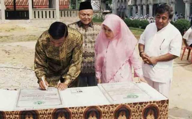 Kisah Presiden Riau Merdeka Ditawari Senjata Libya oleh Panglima GAM (830005)