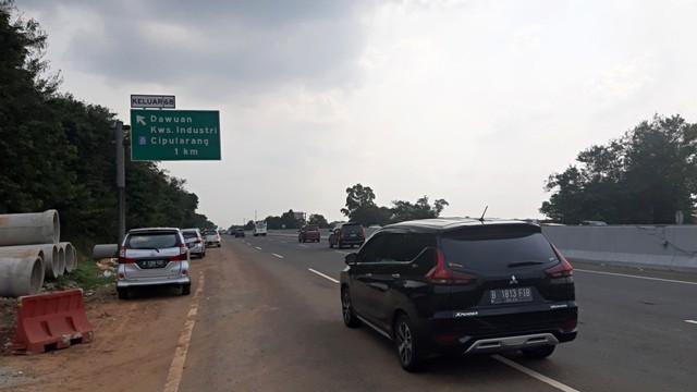 Situasi lalu lintas di Ruas Tol Cikampek menuju Jakarta