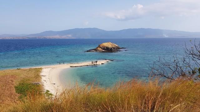 660 Koleksi pemandangan pantai siang hari HD Terbaik