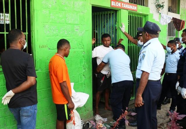 Saat pemeriksaan narapidana dan ruang tahanan di Lapas Abepura, Kota Jayapura-Foto dok Humas Polda Papua.jpg