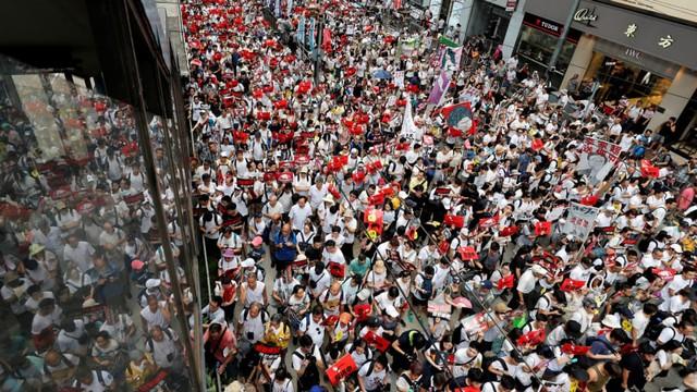 Foto: Lautan Manusia di Hong Kong Menolak RUU Ekstradisi  (740659)
