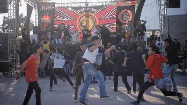 Foto: Halalbihalal Ala Anak Punk (21830)