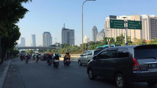 Suasana Jalan Sudirman hingga MH Thamrin