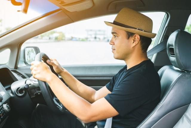 com-Ilustrasi seseorang sedang menyetir