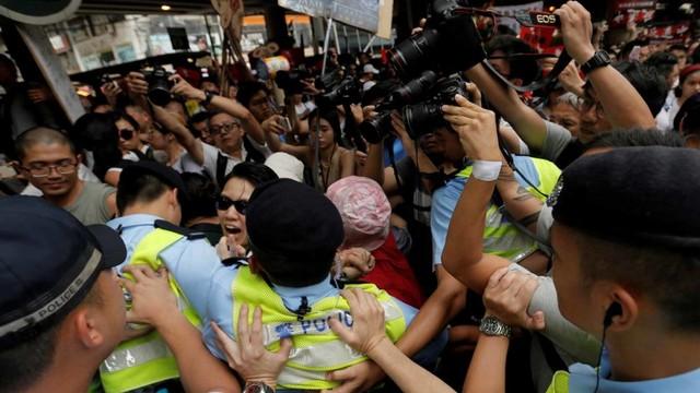 Foto: Lautan Manusia di Hong Kong Menolak RUU Ekstradisi  (740665)