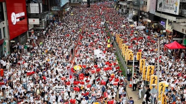 Foto: Lautan Manusia di Hong Kong Menolak RUU Ekstradisi  (740655)