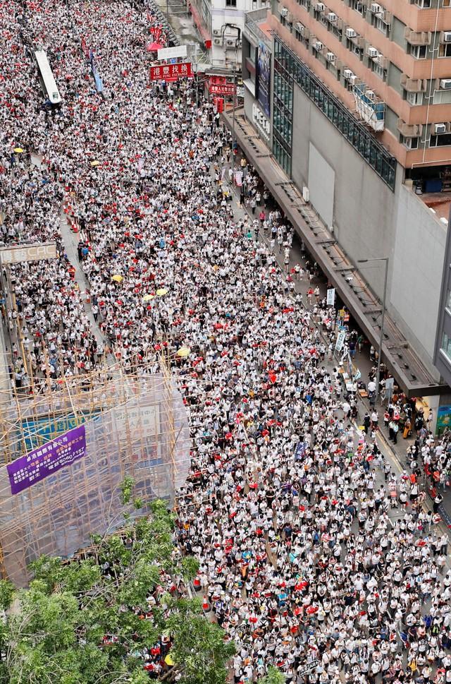 Foto: Lautan Manusia di Hong Kong Menolak RUU Ekstradisi  (740656)