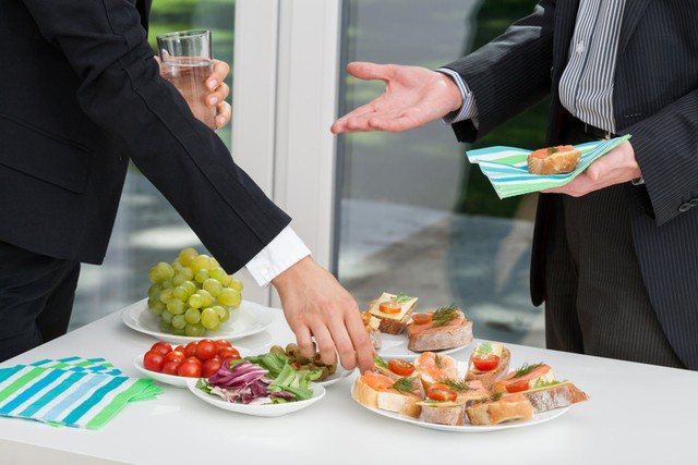 7 Miliarder dengan Kebiasaan Makan Unik, Jeff Bezos Hobi Makan Gurita Saat Rapat (32184)