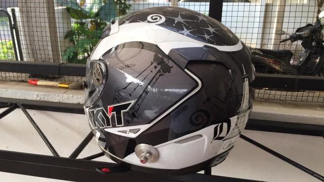 Bahaya Menggunakan Helm yang Usia Pakainya Sudah Lebih dari 5 Tahun (340105)