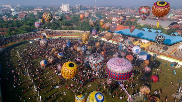 Java Traditional Ballon Festival Pekalongan 2019