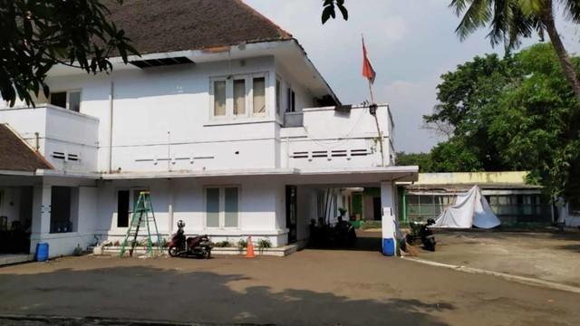 Suasana di rumah jalan proklamasi nomor 36, pangkalan tersangka Hadi Kurniawan alias Iwan