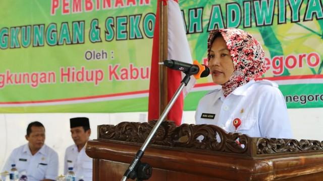 Wakil Bupati Bojonegoro Serahkan Pengharahan Adiwiyata dan GBB (306021)