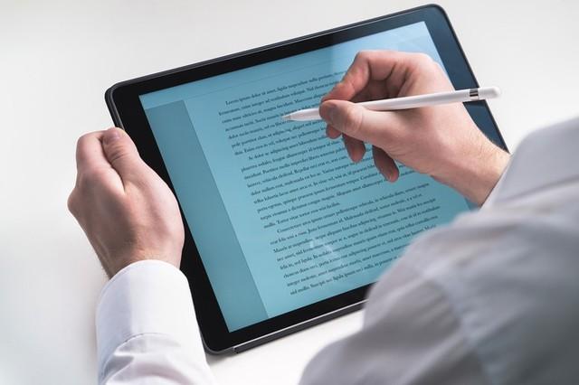 tablet-2188370_960_720.jpg