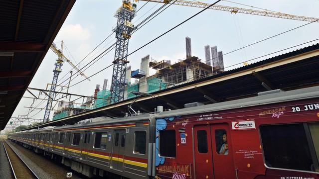 Separuh Pekerja Jakarta Tempuh Perjalanan Hingga 30 KM untuk Sampai ke Kantor (394741)