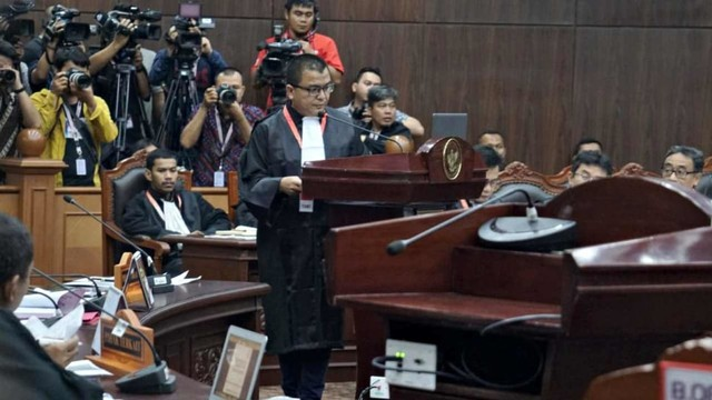 Mahkamah Konstitusi, BPN, Denny Indrayana