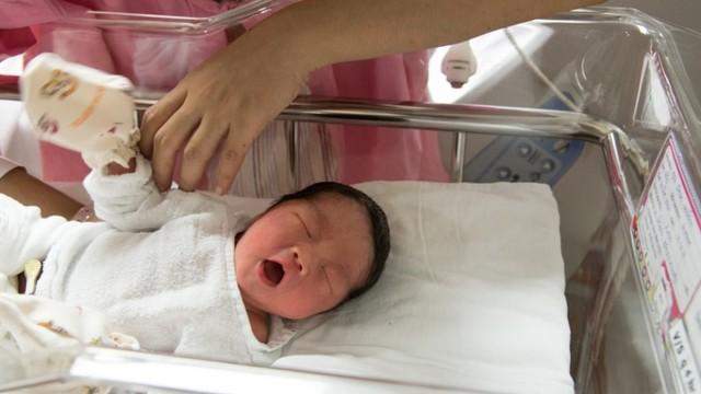 Benarkah Bayi Baru Lahir Tahan 3 Hari Tanpa Diberi Makan atau Minum? (690127)