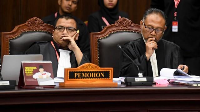 Gugat Pilgub Kalsel ke MK, Denny Indrayana Dapat Dukungan dari Prabowo-Sandi (900258)