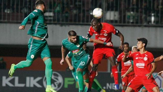 Danny Karl Max Semen Padang FC.jpg