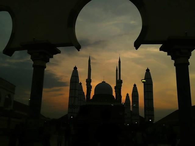 5 Cerita Mudik: dari Kehilangan Dompet hingga Pesona Masjid (82056)