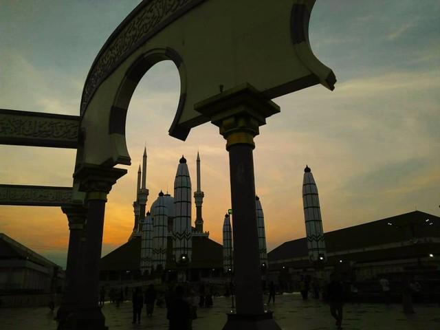 5 Cerita Mudik: dari Kehilangan Dompet hingga Pesona Masjid (82057)