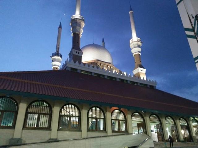5 Cerita Mudik: dari Kehilangan Dompet hingga Pesona Masjid (82058)