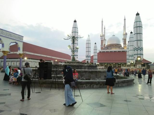 5 Cerita Mudik: dari Kehilangan Dompet hingga Pesona Masjid (82059)