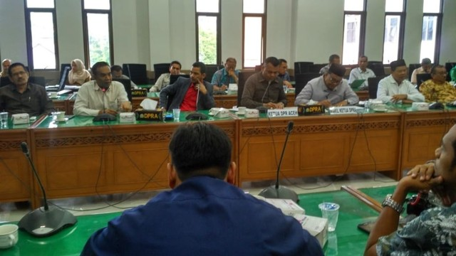 Rapat pembentukan tim kajian dan advokasi MoU Helsinki, Banda Aceh