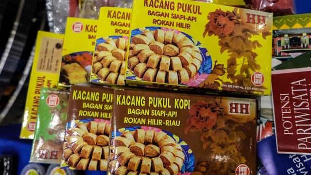 Kacang Pukul Khas Bagansiapiapi.jpg