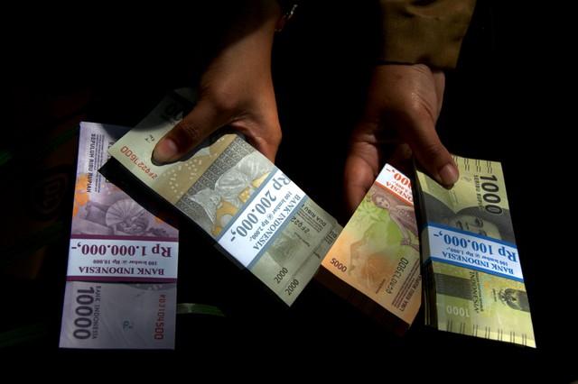 Alokasi Dana APBA Rp 2,7 Miliar Untuk Kadin Aceh Jadi Sorotan Publik (417046)