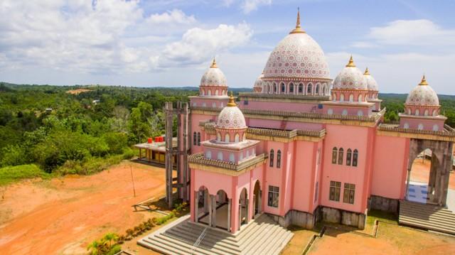 7 Masjid dengan Arsitektur Unik di Indonesia, Ada yang Mirip Benteng Kremlin (131067)