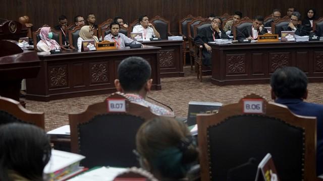 Mahkamah Konstitusi, Sidang Ketiga MK, Saksi Pemohon