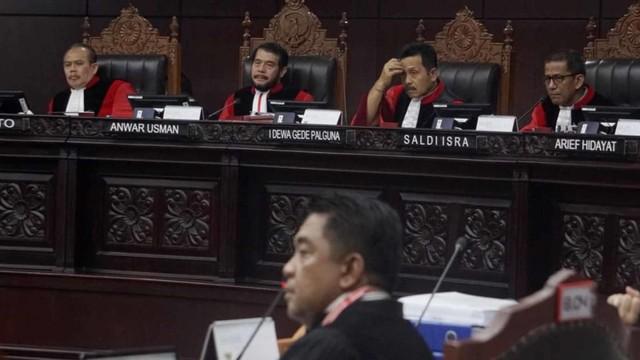 Sidang MK, Saksi KPU, Mahkamah Konstitusi