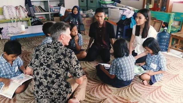 Cerita Puteri Indonesia 2019 yang Aktif Urus Pendidikan Anak Tak Mampu (145067)
