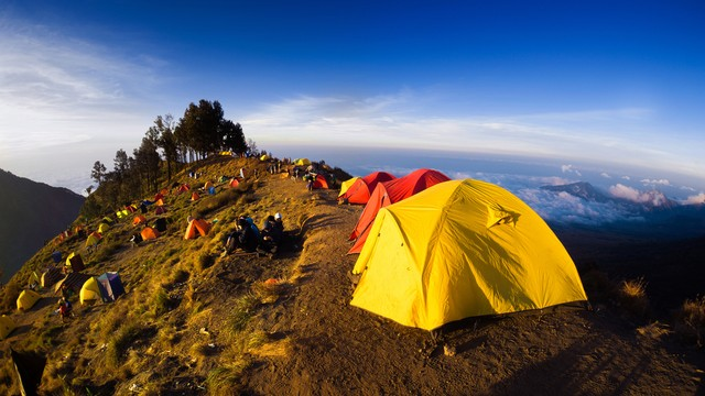 Pendakian Gunung Rinjani Dibuka Kembali 22 Agustus, Kuota Dibatasi 30 Persen (514438)