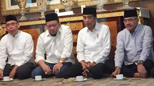 Jokowi Melayat Putra Ketua MA Hatta Ali yang Kecelakaan di Namibia (515781)