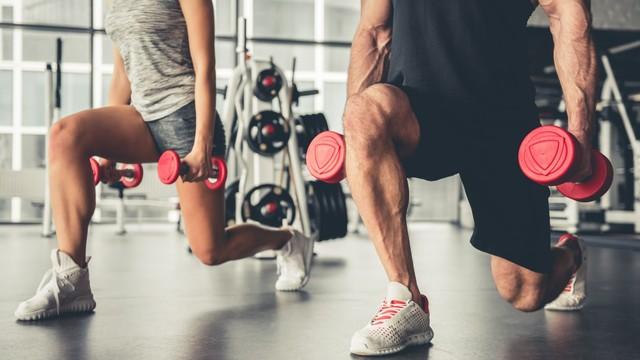 KONTEN SPESIAL, Tangan Emas Paulus Mencetak para Genius, Ilustrasi Fisik di Gym