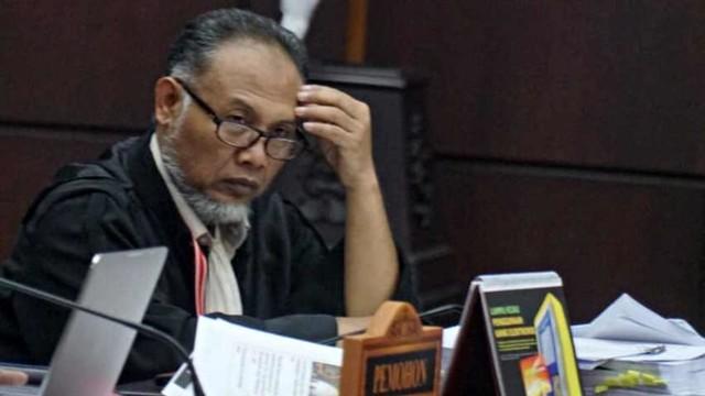 Putusan MK: Menolak Seluruh Gugatan Prabowo-Sandi (17301)