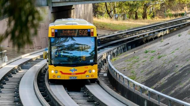 Pemerintah Tengah Kaji Pengadaan O Bahn di RI, Busway Anti Serobot (142625)