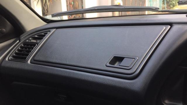Jangan Sandarkan Kaki di Dashboard Mobil  (397735)