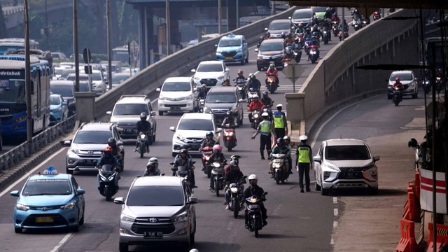 Sistem Ganjil Genap Belum Berlaku, Selama Perpanjangan PSBB Jakarta (236292)