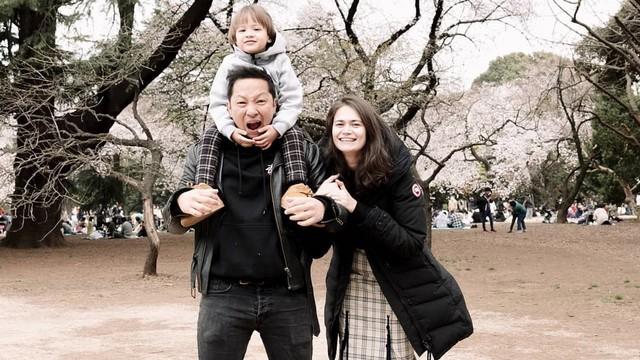 Potret Keluarga Ringgo Agus Rahman yang Sering Bikin Caption Lucu (306050)
