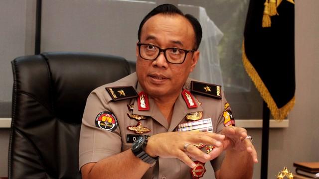 Polisi Masih Identifikasi Penyebar Hoaks Truk TNI Bawa WN China (56765)