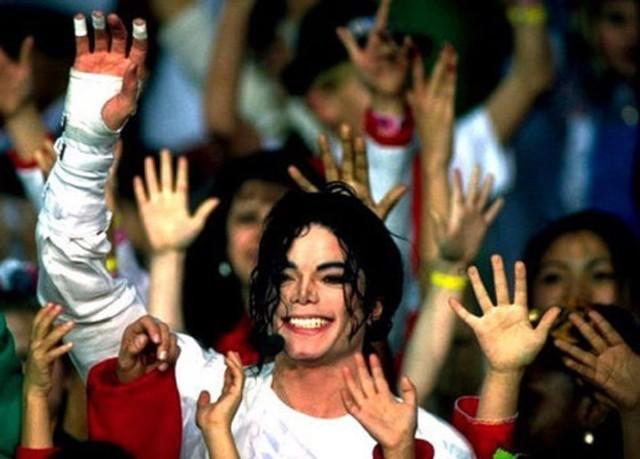 Foto: Mengenang Kisah Hidup Raja Pop Michael Jackson (56838)
