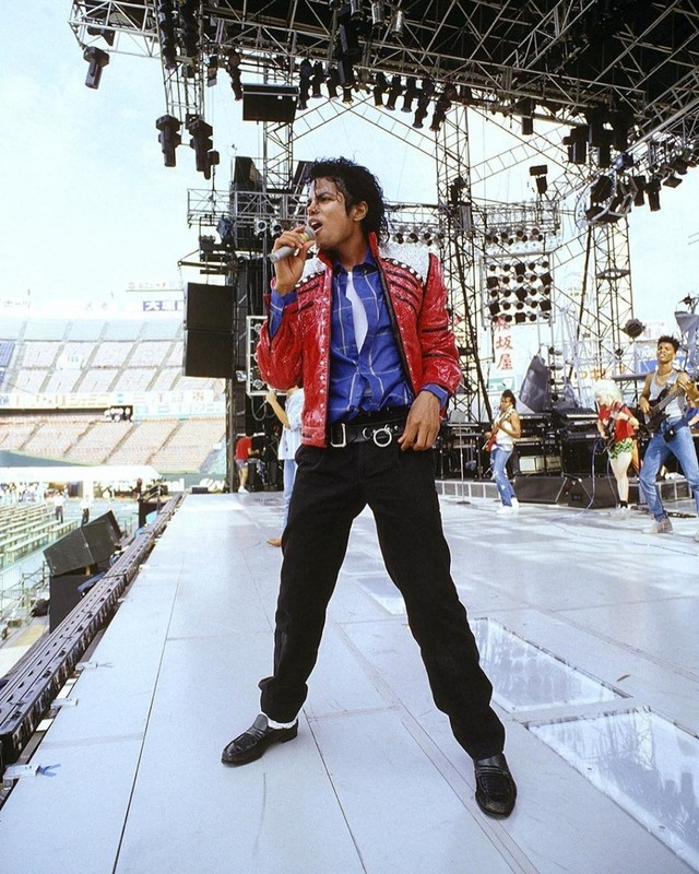 Foto: Mengenang Kisah Hidup Raja Pop Michael Jackson (56818)